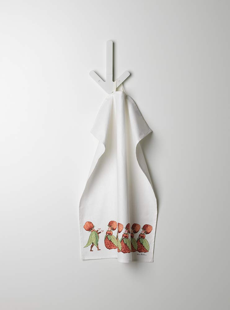Beskow_KitchenTowel_Strawberries_hanging